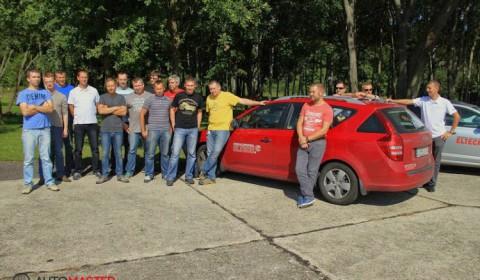 Szkolenie - techniki jazdy samochodem osobowym - zdjęcie 1